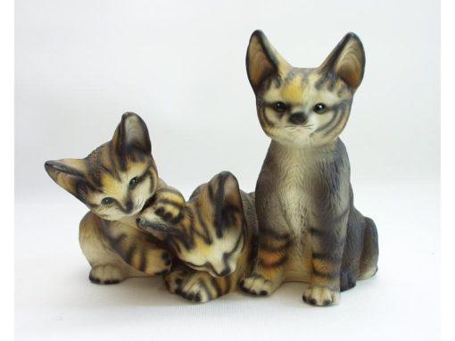 Katten 3 aan elkaar porselein gestreept 15cmH