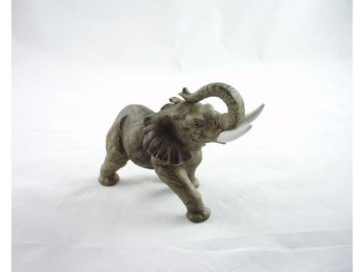 Olifant staand middel porselein 15x11cm
