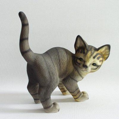 Kat staand grijs staart hoog 16cmH
