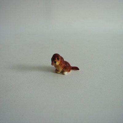 Hondje zittend bruin 4cmH