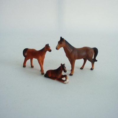 Paarden set porselein bruin 6.5cmLx5cmH