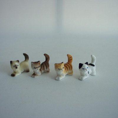 Mini katjes set van 4 assorti 3cmLx2.5cmH