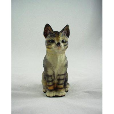 Kat zittend vooruitkijkend 17cm