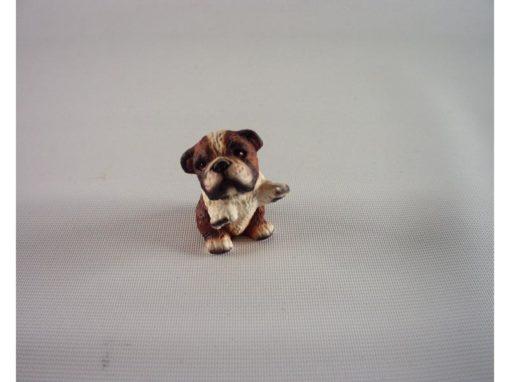 Bulldog zittend pootjes hoog 4cmH