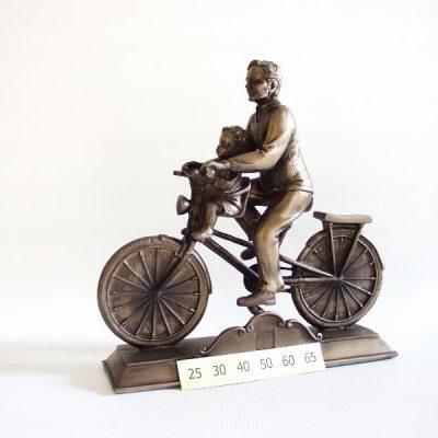 Bronskleur sculpturen