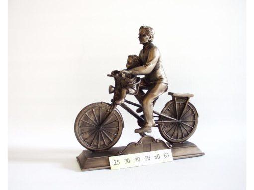 Man met kind op fiets jubilaris 20cmLx20cmH