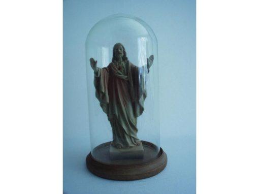 Jezus met open armen onder stolp 27cmH