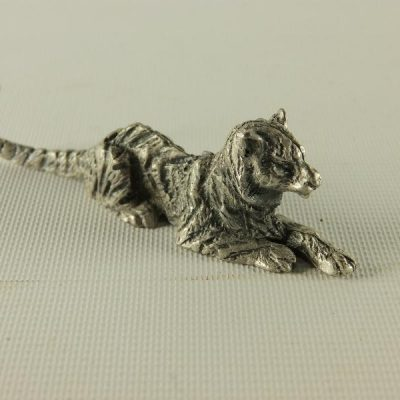 Leeuw liggend middel 6.5cmL