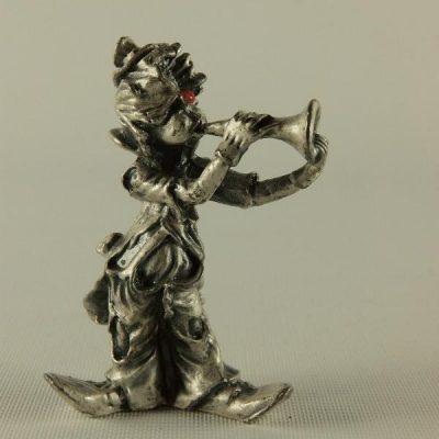 Clown staand met trompet 6cmH