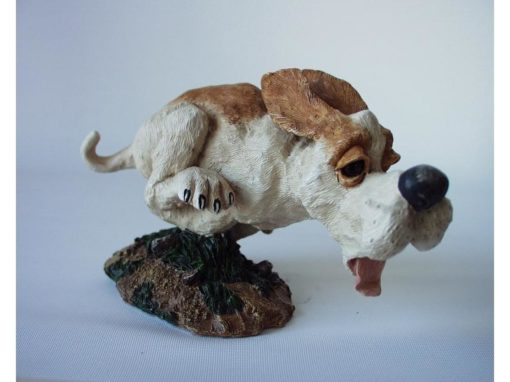 Hond rennend 15cmLx9.5cmH
