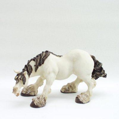 Paard staand hoofd laag 19x10cmH