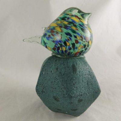 Vogels glas groen/geel op glasvoet 13.5cmH