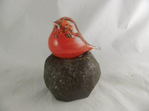 Vogel glas rood op glasvoet 16cmH