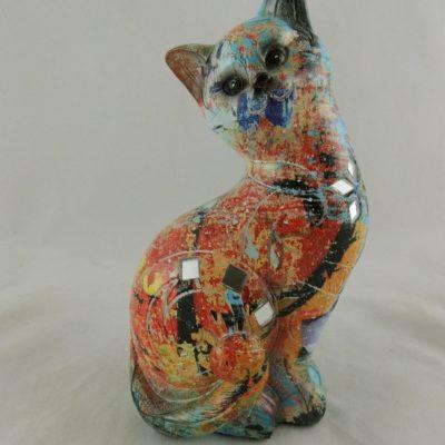 Kat gekleurd zittend 17cmH