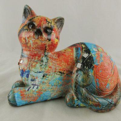 Kat gekleurd liggend