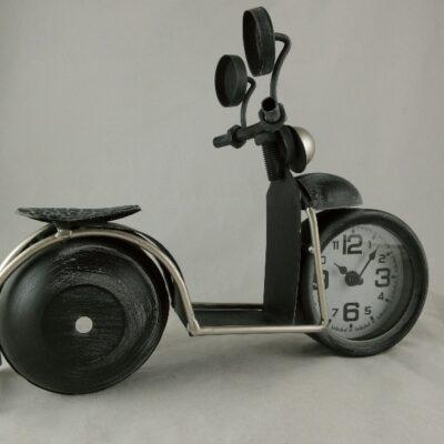 Klok metaal scooter 34x26cmH