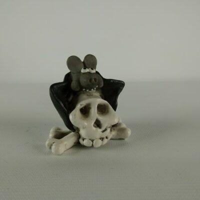 Vleermuis op schedel 6cmH
