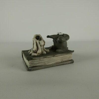 Kaars met muis op boek 7.5cmH