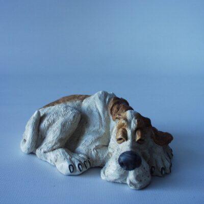 Hond slapend 12cmLx4.5cmH