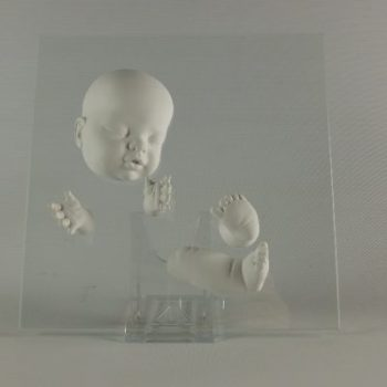 Baby groot op glasplaat 22x22cm