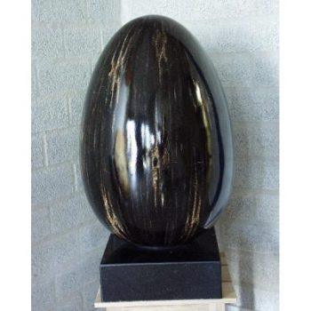 """Sculptuur """"Giant Egg"""" op marmer voet 38x63cm"""