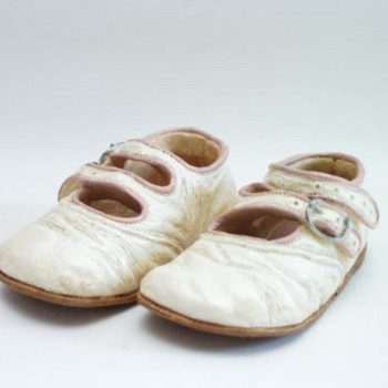Kinderschoentjes wit/rose 10cmL (9374)